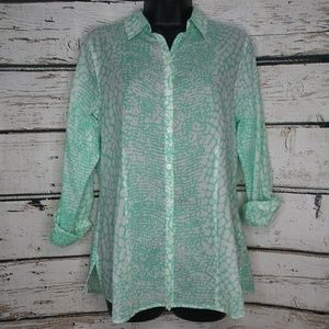 Foxcroft/Wrinkle Free Fitted Snake Print Blouse